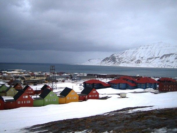 Svalbard_uphill-610x458
